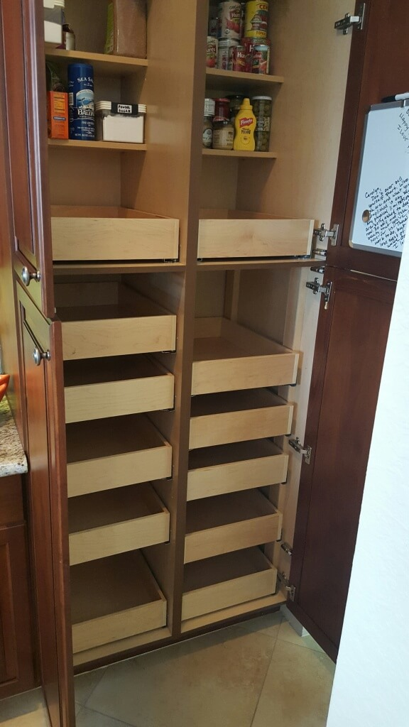 An ex≤ of our custom kitchen cabinets in Boca Raton FL. & Custom Roll Out Drawers In Boca Raton | Cupboard Converters